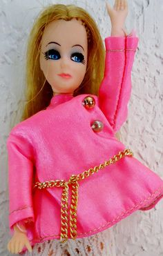 1970s Vintage Blonde Dawn Toy Doll with Original Dress and Mod Hippy Chic Outfits 18 pieces of clothes Shorts Hot pink Shirt Hangar Gr8 Play