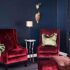 Havdyp FR2515. Fargen er hentet fra havdypet og inneholder hint av grønt i seg. #Blå#blå#Norgesfavorittfarge#stue#soverom#Fløyel#stoler#Fargerike#fargekart#inspirasjon#blue#velvet#inspiration#red#chair Work Surface, Modern Kitchen Design, Wingback Chair, Stuff To Do, Accent Chairs, Ikea, Furniture, Home Decor, Upholstered Chairs