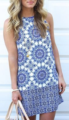 Dear Stitch Fix stylist, I love sleeveless dresses that hit above the knee-no-waist--simple patterns to pair with a chunky necklace