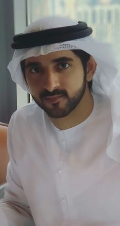 Sheikh Hamdan bin Mohammed bin Rashid Al Maktoum Crown Prince of Dubai 🇦🇪 Prince Crown, Royal Prince, Prince Mohammed, Love Of My Life, My Love, Rich Family, Love You Very Much, Arab Men, Handsome Prince