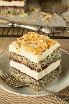 Poppy cake with cottage cheese Polish Desserts, Polish Recipes, Baking Recipes, Cake Recipes, Dessert Recipes, Vegan Junk Food, Kolaci I Torte, Roasted Almonds, Vegan Kitchen