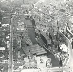 Stockport before the Mersey was covered. Lancashire Bridge at the top, Mersey Square at the bottom. Old Pictures, Old Photos, Photo Maps, Salford, Aerial View, Manchester, Paris Skyline, City Photo, Old Things
