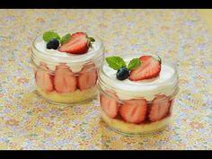 【スイーツレシピ】簡単カップスイーツ・ショートケーキ風 Strawberry Sponge Cake - YouTube