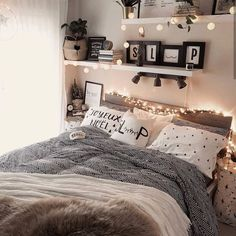 gorgeous cozy dorm room ideas you'll want to copy 13 ~ mantulgan.me gorgeous cozy dorm room ideas you. Bedroom Designs Images, Dorm Room Designs, Modern Bedroom Design, Modern House Design, Home Design, Interior Design, Design Ideas, Contemporary Bedroom, Blog Design