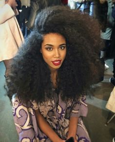 27.52 USD        Eseewigs Sale 100% Virgin Human hair can be curled It is silk and soft,high quality.           https://www.eseewigs.com/short-kinky-curly-human-hair-wig-afro-kinky-curl-wigs-for-black-women-natural-looking-real-human-hair-wigs-black_p2428.html