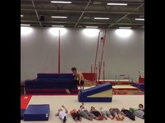 #SilviaBollada: Esto es extraordinario. Gento común mostrando habilidades increíbles... Gym Equipment, Blog, Optimism, Blogging, Workout Equipment, Exercise Equipment, Fitness Equipment