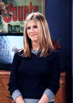 You are in the right place about rachel green outfits Here we offer you the most beautif Rachel Green Hair, Rachel Green Style, Rachel Hair, Rachel Green Outfits, Rachel Rachel, Jennifer Ainston, Jennifer Aniston 90s, Friends Moments, Friends Tv