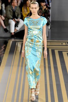 Topshop Unique Spring 2012 Ready-to-Wear Fashion Show - Erjona Ala