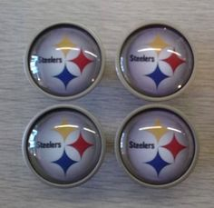Great Pittsburgh Steelers knob for you kitchen, bathroom, or even bedroom.  This satin nickel cabinet knob features a 30mm diameter clear glass cabochon which magnifies the image underneath. The caboc