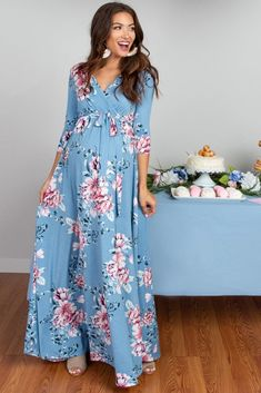Shop cute and trendy maternity clothes at PinkBlush Maternity. We carry a wide selection of maternity maxi dresses, cute maternity tanks, and stylish maternity skinny jeans all at affordable prices. Cute Maternity Dresses, Summer Maternity Fashion, Maternity Gowns, Stylish Maternity, Pink Blush Maternity, Pregnancy Fashion, Maternity Outfits For Baby Shower, Maternity Pictures, Vestidos Para Baby Shower