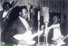Muddy Waters Band at the Tay May Club, Chicago, 1960 l to r: Andrew Stephens, Muddy Waters & Pat Hare; source: Juke Blues #23 (Summer 1991), p.14; photographer: Paul Oliver