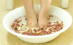 Watch This Video Ambrosial Home Remedies Swollen Feet Ideas. Inconceivable Home Remedies Swollen Feet Ideas. Headache Cure, Natural Headache Remedies, Headache Relief, Natural Home Remedies, Migraine, Foot Remedies, Skin Care Remedies, Health Remedies, Arthritis Remedies