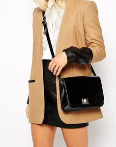 Immagine 3 di The Leather Satchel Company - Pixie - Borsa a tracolla media nera