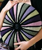 colorwheel crochet pillow - free pattern