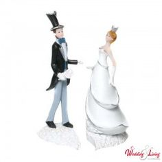 Edle und glamouröse Tortenfigur Wedding Cakes, Disney Characters, Fictional Characters, Disney Princess, Top, Newlyweds, Wedding Cake, Wedding Gown Cakes, Fantasy Characters