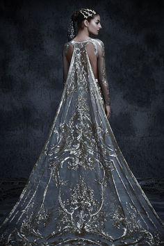 The Fashion Dish — couture-constellation: Michael Cinco. Fashion Mode, Couture Fashion, High Fashion, Fashion Hacks, Emo Fashion, Gothic Fashion, Indian Fashion, Fashion Tips, Beautiful Gowns