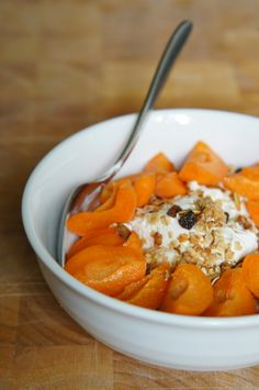 Fresh apricots + Greek yoghurt + home made granola = a perfect breakfast