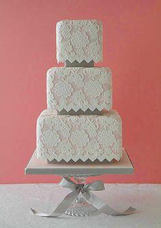 Rendas no bolo de casamento!