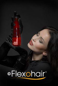 Spezial-Shampoo für gefärbtes Haar mit Moschus-Rosenöl und Gojibeeren-Extrakt von der Luxus-Marke Shu Uemura.