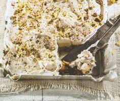 Εκμέκ με τσουρέκι   Συνταγή   Argiro.gr - Argiro Barbarigou Greek Sweets, Greek Desserts, Greek Recipes, Tsoureki Recipe, Low Calorie Cake, Lemon Coconut, Food Categories, Deserts, Food And Drink