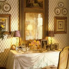 I always fondly remember my mother's skirted dressing table. It was a gathered skirt, made of blue and grey patterned fabric. French Country Bedrooms, French Country Decorating, Country French, French Decor, Country Style, Dressing Table Vanity, Vanity Tables, Dressing Tables, Dressing Rooms