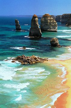 The Twelve Apostles, Victoria, Australia | http://www.viewretreats.com/vic-luxury-accommodation #travel