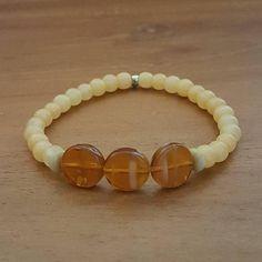 Bekijk dit items in mijn Etsy shop https://www.etsy.com/nl/listing/569298719/armband-autumn-maple-glaskralen