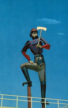 Vintage photo of a giant statue of Paul Bunyan in Gaylord, Michigan. I remember when this statue was in Gaylord, then it was moved to Grayling. I don't think it's still standing in Grayling.