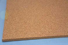 掲示板や壁材として使われるコルクボードです。