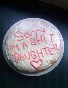 Pretty Birthday Cakes, Pretty Cakes, Funny Birthday Cakes, Ugly Cakes, Yummy Recipes, Baby Lernen, Masterchef, Funny Cake, Cute Desserts