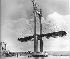 El Puente de Rande en plena construcción en el año 1975