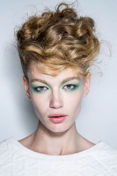 Tagli capelli corti p/e 2014 #hair #haircut #undercut hairstylist❤️Studió Parrucchieri Lory (Join us on our Facebook Page) Via Cinzano 10, Torino, Italy.