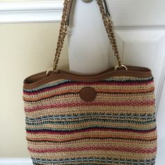 """Tory Burch handbag Carried just a couple of times...think it's too big for me...I'm 5'2"""". Excellent condition...can't see any wear or tear. Really cute spring/summer bag! Tory Burch Bags Shoulder Bags"""