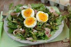 Sałatka ze szparagami i jajkiem | Domi w kuchni