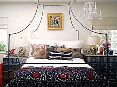 Layering throws, or blankets with patterns/ colors that dont match but same theme #curtainchat