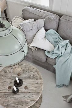 LEARN HOW TO GET AN INDUSTRIAL STYLE USING PASTEL COLORS_see more inspiring articles at http://vintageindustrialstyle.com/learn-industrial-style-using-pastel-colors/