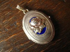 bezauberndes Jugendstil Medallion Rose blaues Emaille Art Nouveau Locket enamel