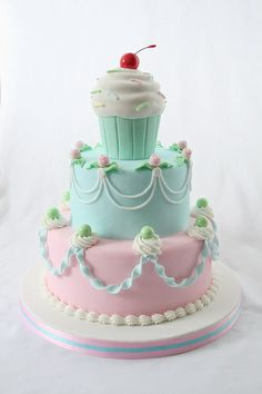 Sweet Cupcake, love this pastel color.