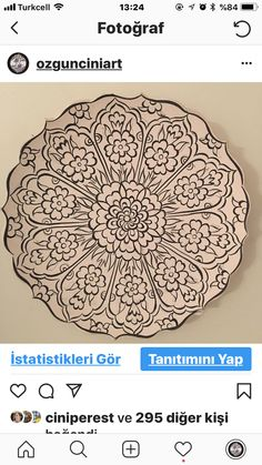 Pottery Painting Designs, Pottery Designs, Paint Designs, Painted Ceramic Plates, Ceramic Painting, Bead Embroidery Patterns, Blue Pottery, Art N Craft, Doodle Patterns