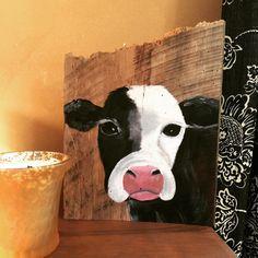 How do you like this sweet #barnwood baby?  #cow #rusticdecor #painting #southernvintage #handmadeisbetter #taterbuggin #handmade #art #decor #buyhandmade #memphis #memphisartist #tennessee #choose901 #homedecor #thelovelyhandmade #craftcurate #ilovememphis #creatorcommunity #supportsmallbusiness #shopsmall #southernartist #shopsmalllove #handmadehomegoods #thehivehandmade #makersmovement