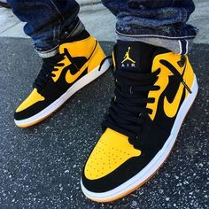 Air Jordan 1 Retro Mid 'New Love' 2017 The Air Jordan 1 'New Love' Mid dropped in 2007 as part of the 'Old Love/New Love' pack — the other sneaker was an Air Jordan 1 Retro Mid in the in the 'Black Toe' colorway. Cute Nike Shoes, Cute Sneakers, Nike Air Shoes, Nike Air Jordans, Shoes Sneakers, Kd Shoes, Jordans Girls, Mens Shoes Jordans, Pink Nike Shoes