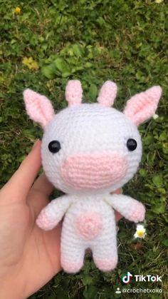 Crochet Cow, Kawaii Crochet, Cute Crochet, Crotchet, Diy Crochet Projects, Crochet Crafts, Knitting Projects, Crochet Animal Patterns, Crochet Animals