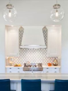White Thassos & Carrara polished marble are the most luxurious + timeless materials you could add to your home. This Arabesque waterjet mosaic tile enhances the interior of any space: bathroom, kitchen, master closet, entry way & anywhere in between. This breathtaking and affordable tile will add value & elegance to your home. #luxury #affordableluxury #2020trend #interiordesignideas #upgrade #houseflip #arabesque #backsplash White kitchen design, marble backsplash, backsplash ideas