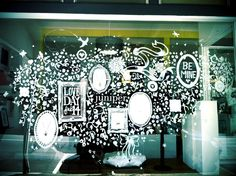 this is sooo fun!!! I want a masterpiece like this on my window!