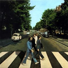 The Beatles: Abbey Road Album Cover Parodies. A list of all the groups that have released album covers that look like the The Beatles Abbey Road album. Beatles Love, Beatles Art, Beatles Photos, Abbey Road, Pop Rock, Rock And Roll, Liverpool, Mona Lisa, The Fab Four