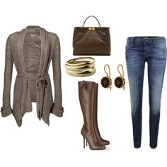 Give me a pair of regular jeans and I would love this outfit... skinny jeans this fat chica cannot do!