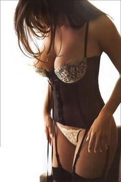 So sexy!!! #lingerie www.vinuesavallasycercados.com