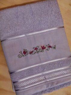 Artesanato by Sandra Duarte: Toalha de Banho - Barra Floral
