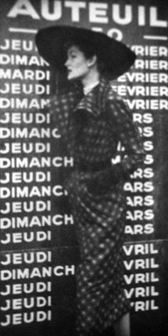 1950 Vogue Paris. S)