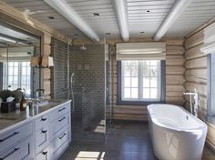 Bathroom shower tile white ceilings new Ideas White Interior Design, Bathroom Interior Design, Home Interior, Cabin Homes, Log Homes, Deco Spa, Log Cabin Bathrooms, White Tile Shower, Modern Log Cabins
